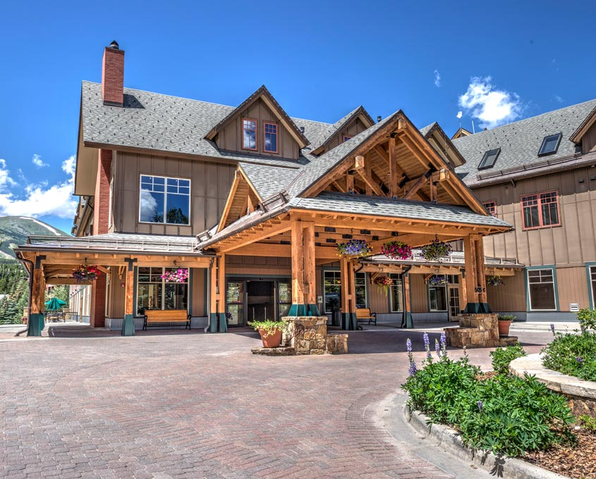 Entrance at Main Street Station in Breck