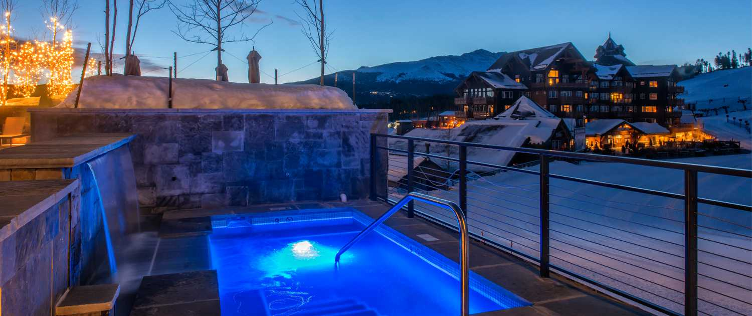 Hot tubs at Grand Colorado on Peak 8