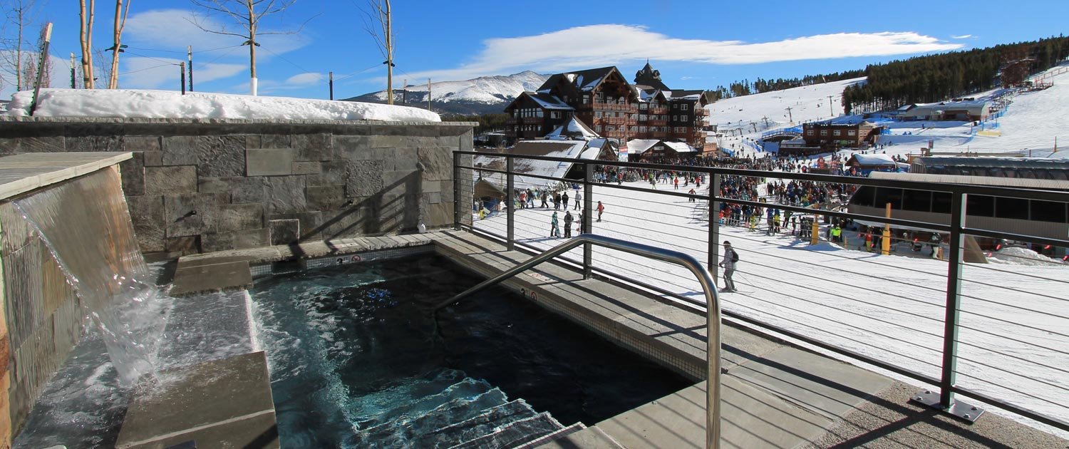 Outdoor hot tubs at Grand Colorado